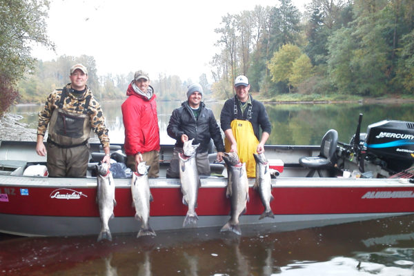Northwest fishing guides catching big Chinook!