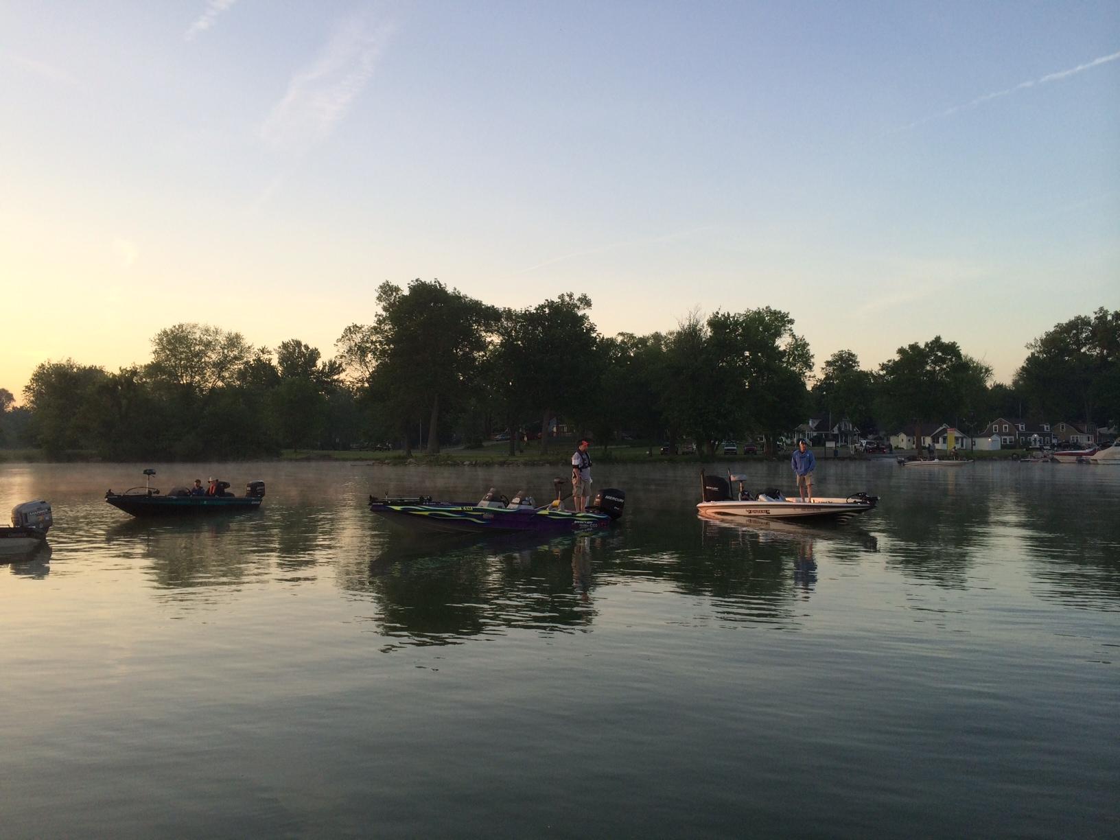 Columbus bassmasters compete at buckeye lake columbus for Buckeye lake fishing