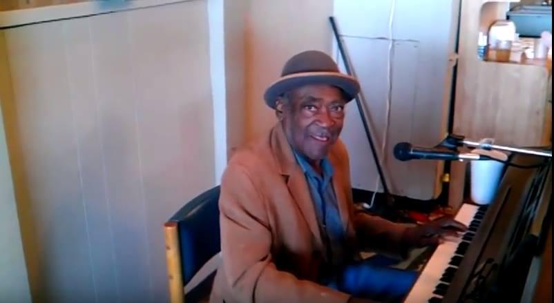 בלוז ביצות: מאנדיי מורנינג בלוז על הפסנתר של הנרי גריי