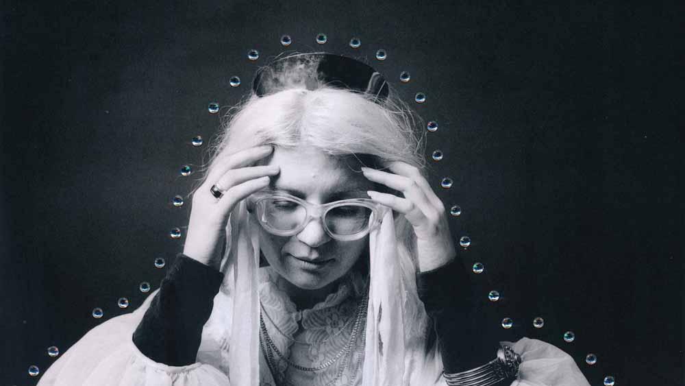 לא להתחייב לז'אנר אחד: ציפי פישר שוחחה עם המוזיקאית מרי אוצ'ר לקראת הופעתה בארץ