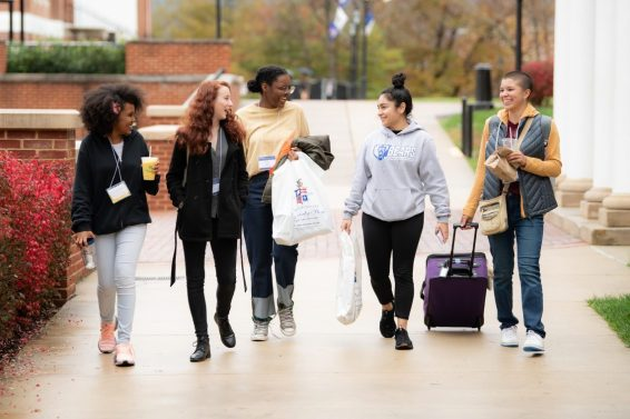 SOC111418_16-1140x760-1 Scene on Campus Fall 2018