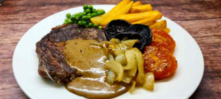 Read more about the article Easy Peppercorn Sauce