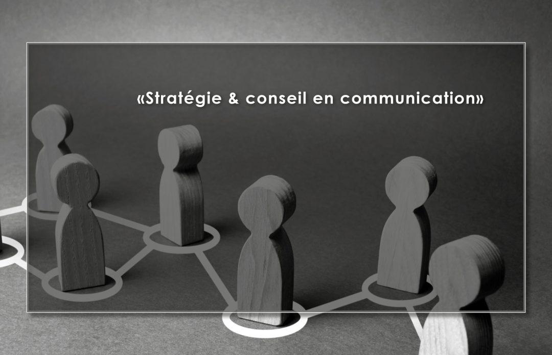 Communication papier : création plaquette et chemise de présentation - Par Com' Empreintes