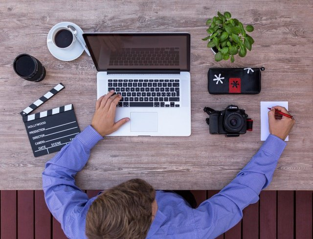 stage audiovisuel - montage vidéo - com web