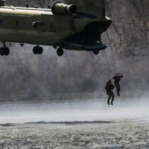 US Army, Best Sapper Competition, Fort Leaonard Wood, leaping out of Chinook 08-04-19 (Justin Stafford)[1180]