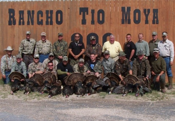rancho-tio-moya-group-photo