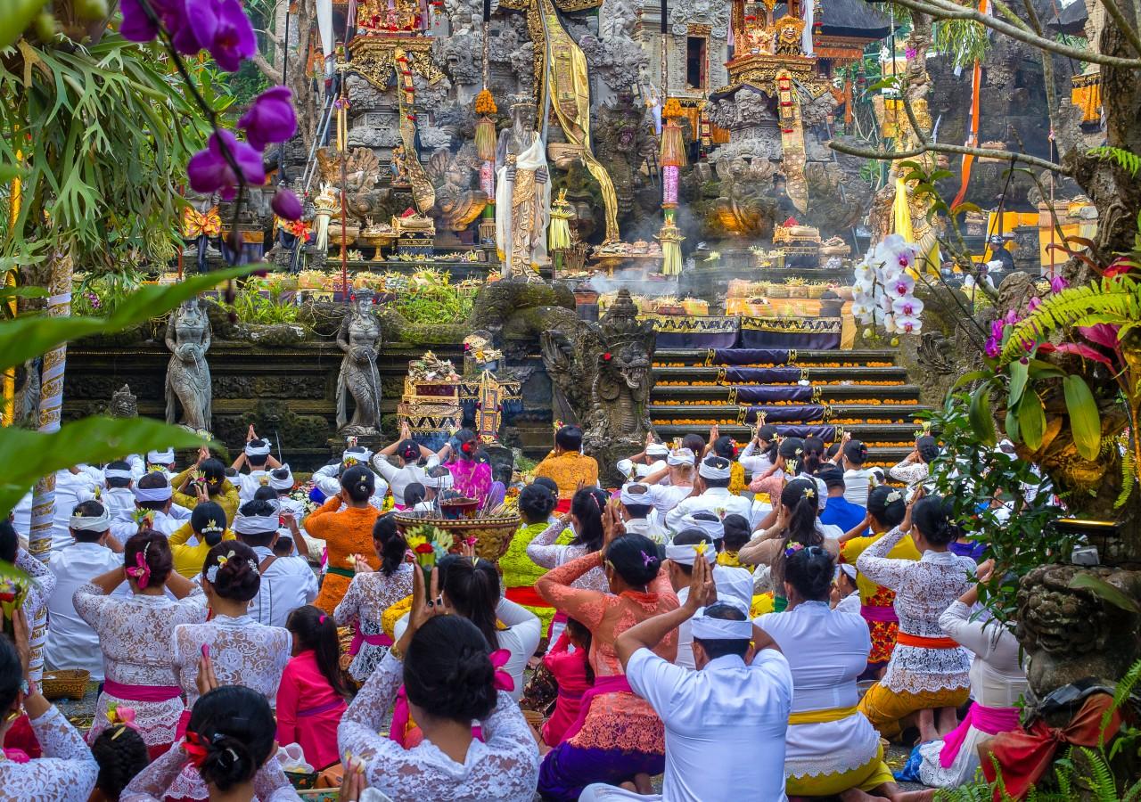bali come2indonesia ceremony