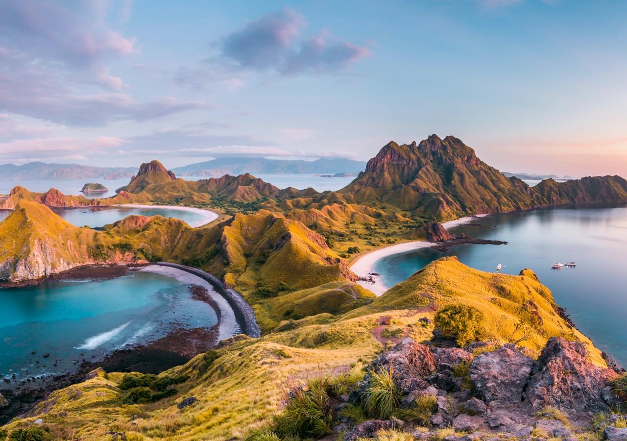 Indonesia travel guide komodo adventure tour