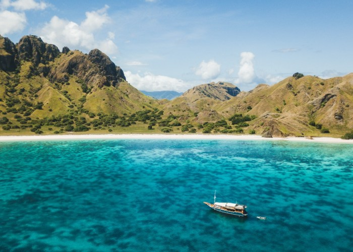 komodo adventure tour