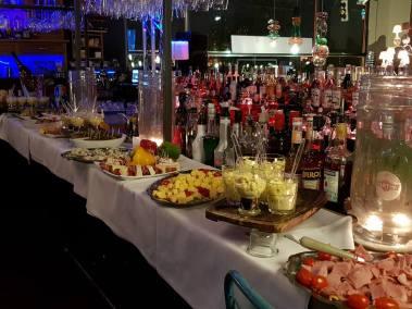 Bar à Vin - Come à la Cave - Champagnes - Gins - Cocktails - Tapas - Afterwork - Happy Hour - Terrasse - Music Live - Robin du la Concept Store (1)