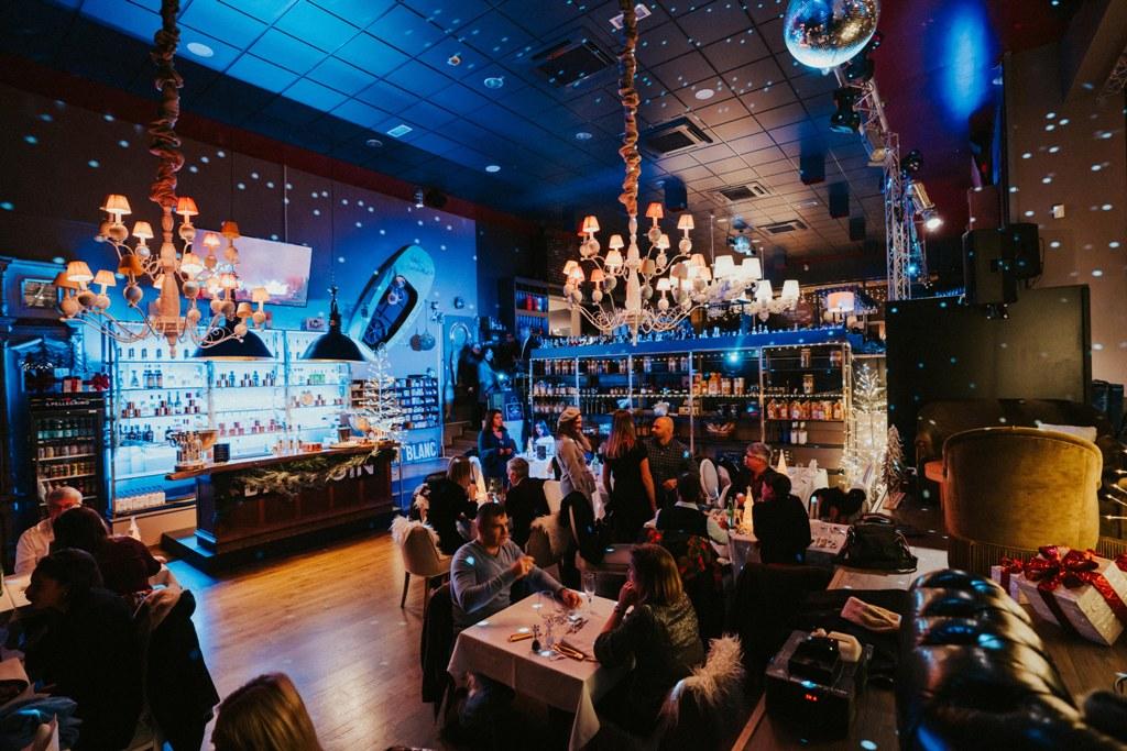Come à la Cave - Wine Bar- Cocktails - Champagne - Events - Live Music & Djs - Robin du Lac Concept Store - Luxembourg (12)