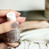 Manicure: Essie - Miss Fancy Pants