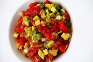 Copie de Tartare tomate avocat poivron (2)