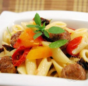 Ensalada de pasta y albondiguillas con albahaca (5)