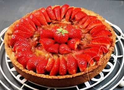 Tarta de ruibarbo y fresas con frangipane al estil-copia-1