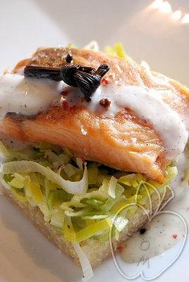Salmón con salsa de vainilla, quinoa y puerros (9)