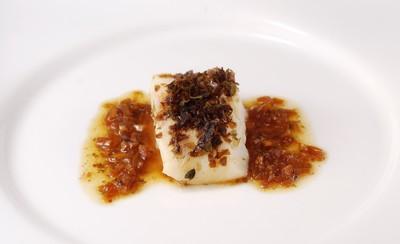 Bacalao en costra de algas con salsa acidulada (1)