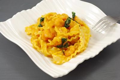 Pasta en salsa de calabaza y gambas (9)