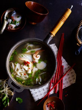 Hot and sour seafood soup