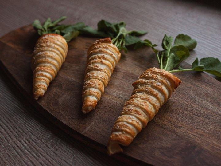Blätterteig Karotten mit Frischkäsefüllung