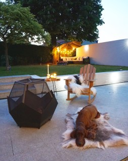 Fire pit from VonHaus