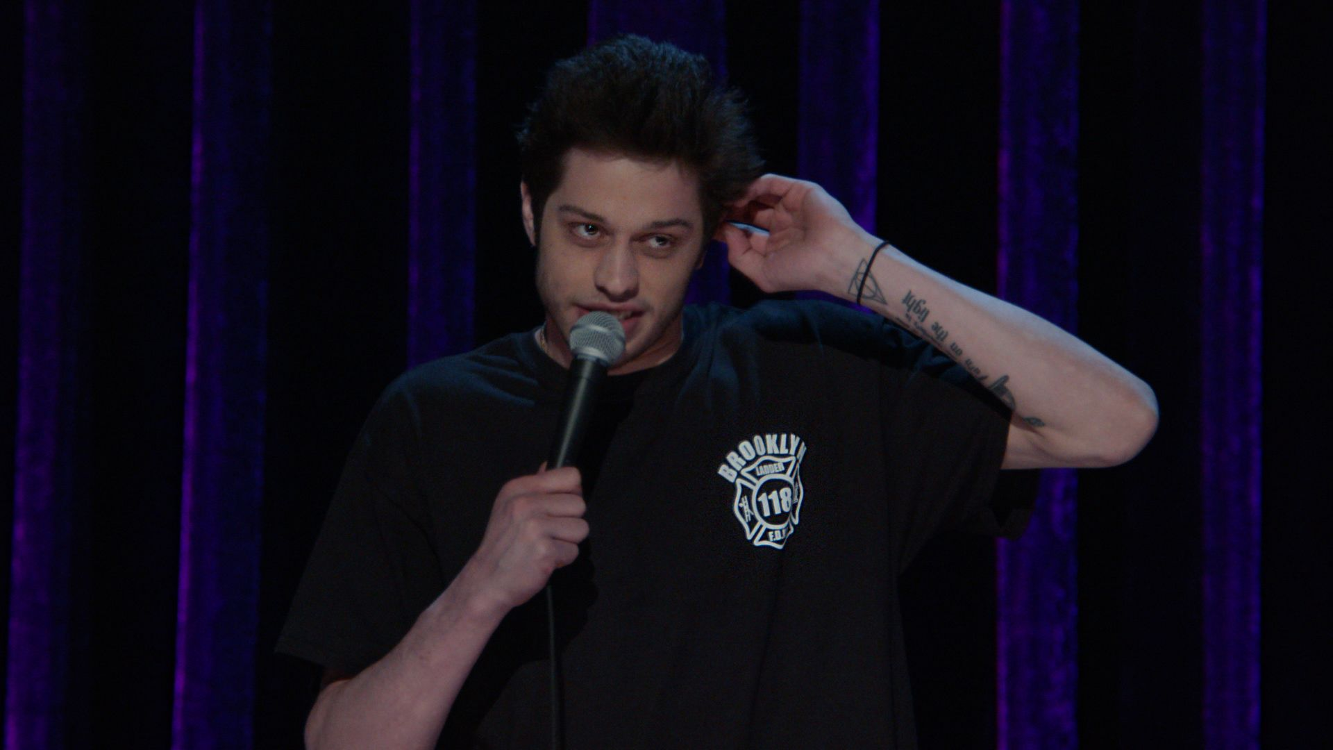 Pete Davidson Growing Up In Staten Island Amp Flying Cape