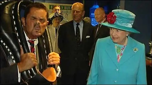 A champion facepuller meets the Queen of England.
