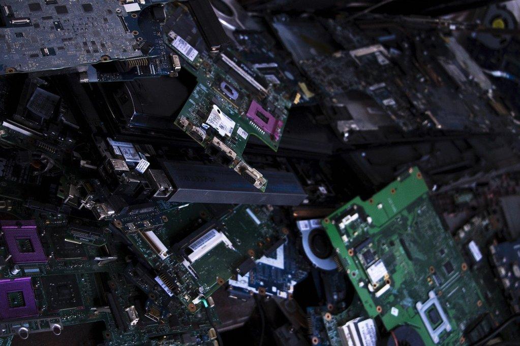 riesgos_y_peligros_en_la_industria_esd_descargas_electroestaticas