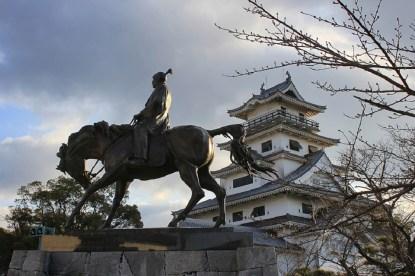 Imabari-Castle-statue