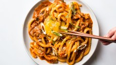 kimchi-udon-with-scallions