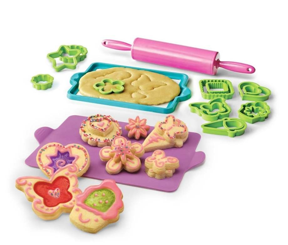 Real Cooking Deluxe Cookie Baking Set - ComeWagAlong.com Holiday Gift Guide: Gifts for Kids