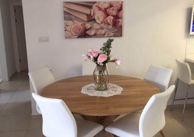 פינת אוכל מעוצבת שולחן עגול דגם 'לייט'