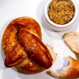 An authentic homemade German pretzel recipe.