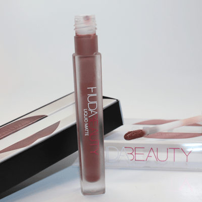 huda-beauty-liquid-matte-swatch