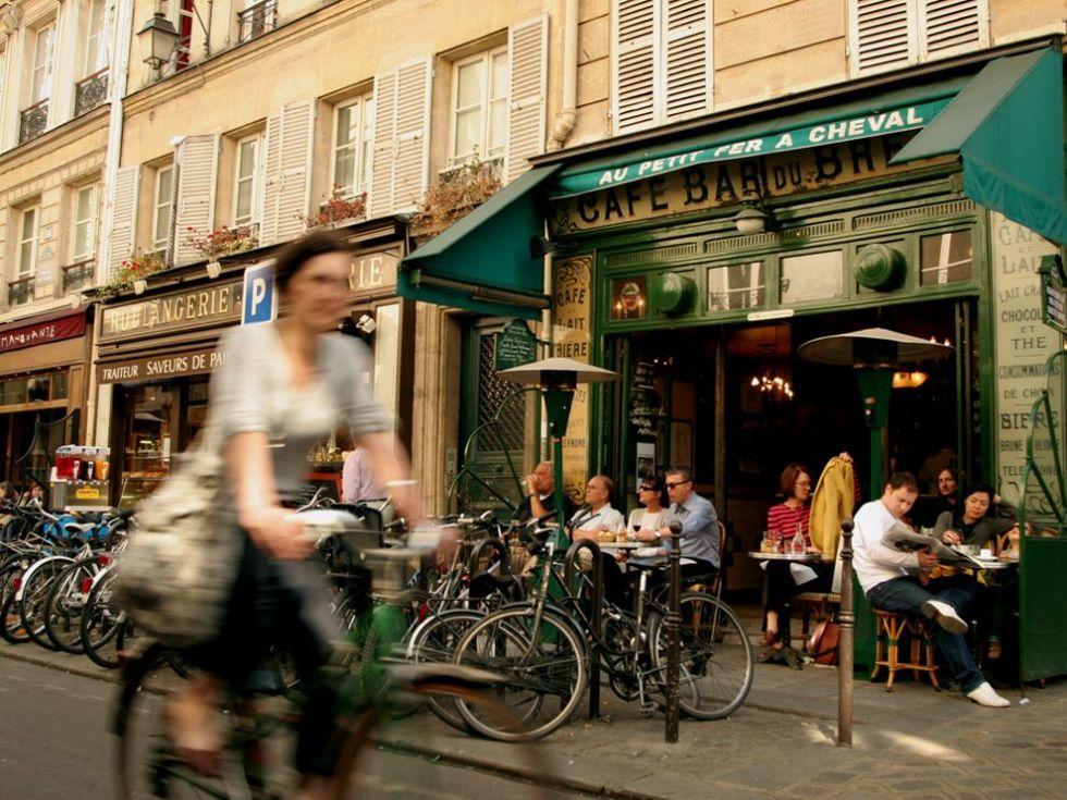 sidewalk-cafe-paris-bicycle_19480_990x742
