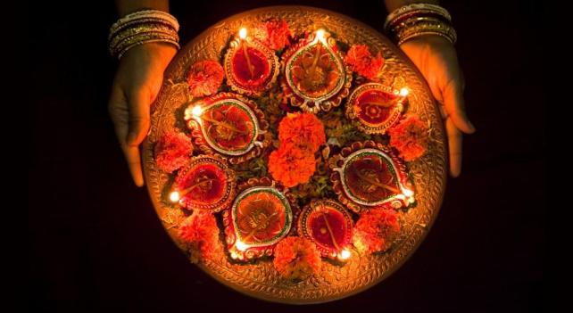 diwali_candles.adapt.945.1