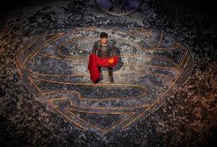Cameron Cuffe as Seg-El in the Fortress of Solitude