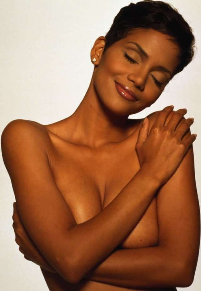 Halle Berry Sexy Pictures Will Take Your Breathe Away Cbg