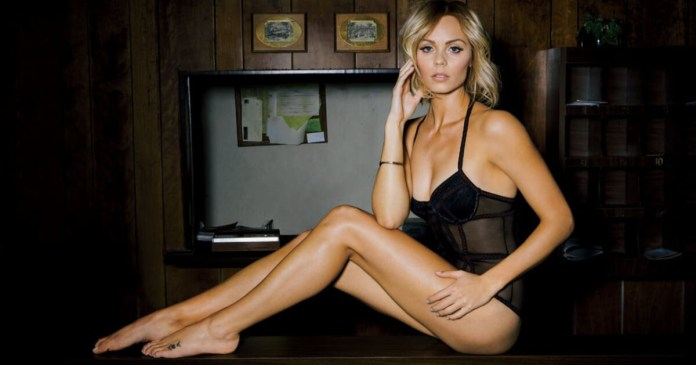 62 Laura Vandervoort Sexy Pictures Will Literally Hypnotise With Her Physique