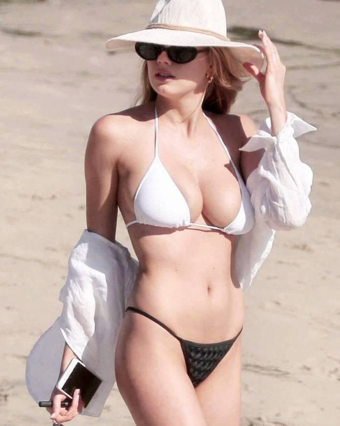 amy adams bikini