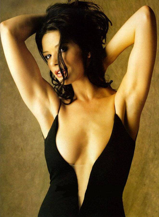 Catherine Zeta Jones Sexy Pictures Are Truly Epic Cbg