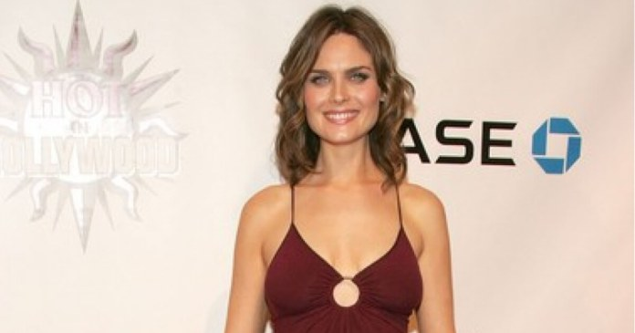 59 Emily Deschanel Sexy Pictures Prove That She Is An Angel