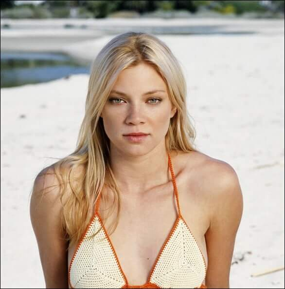 amy smart bikini