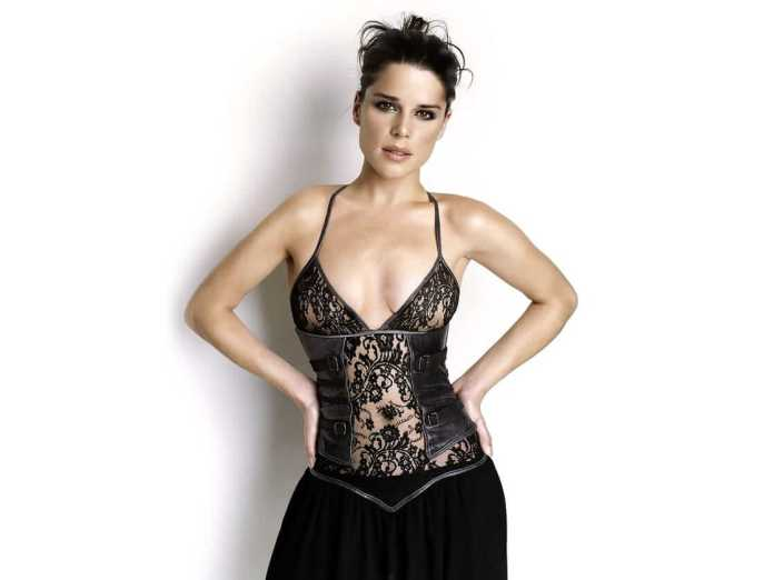 neve campbell sexy
