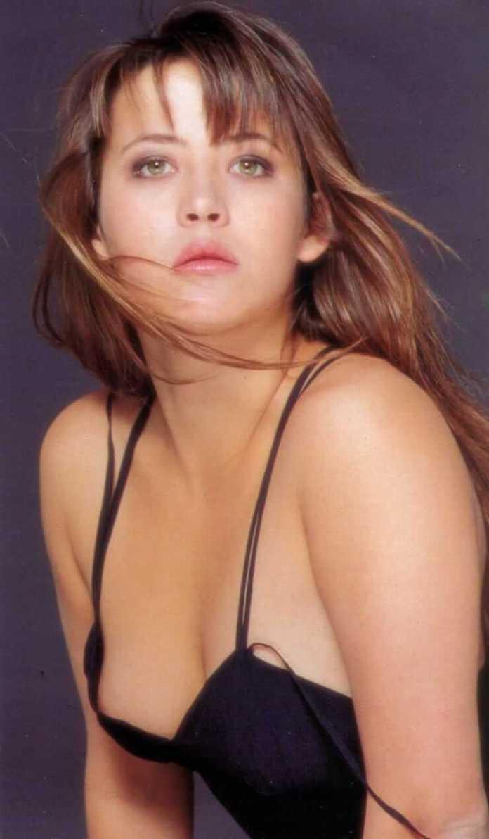 sophie marceau bikini