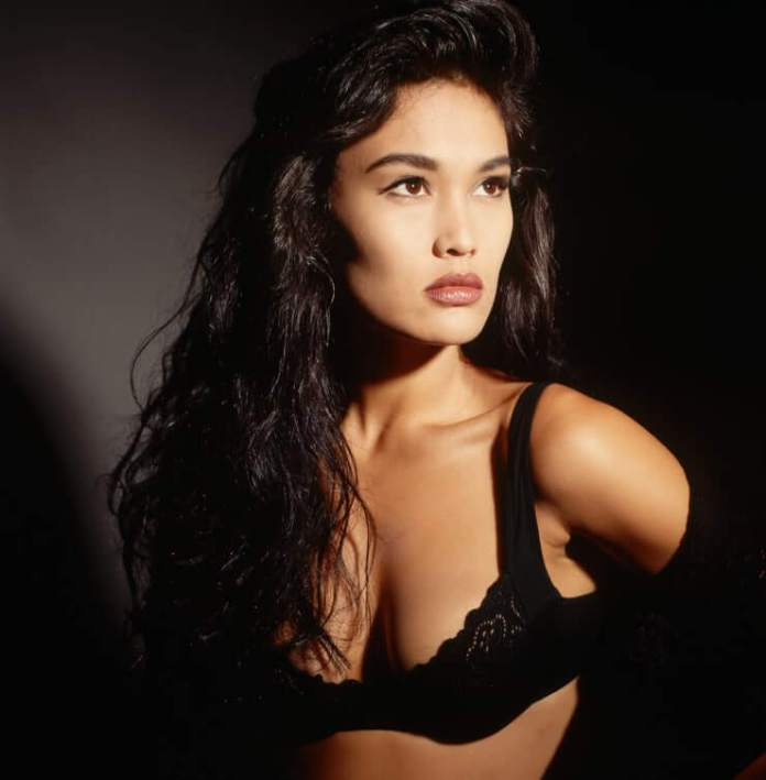 tia carrere hot