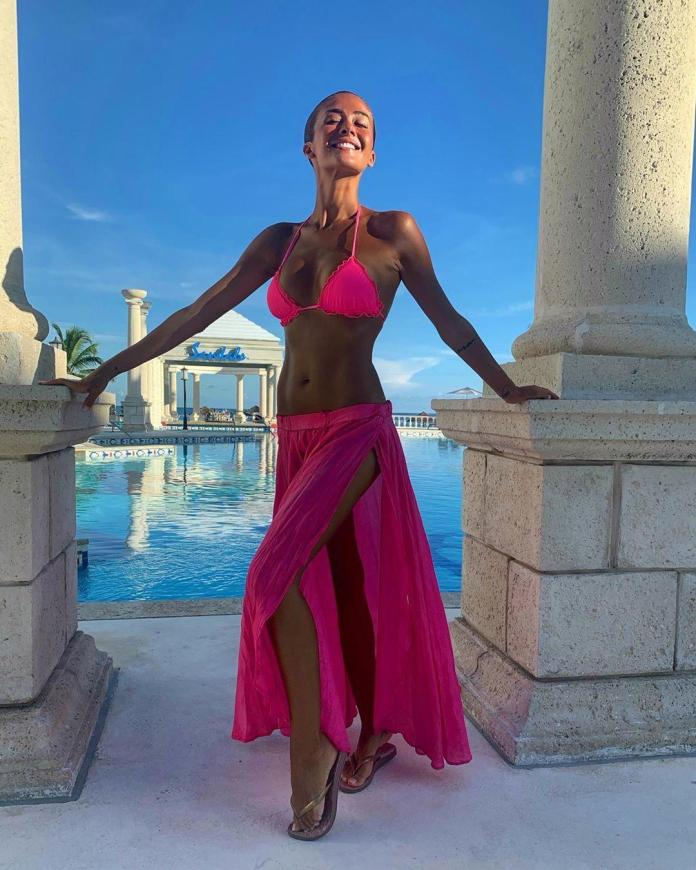 Giorgia Palmas sexy look pic