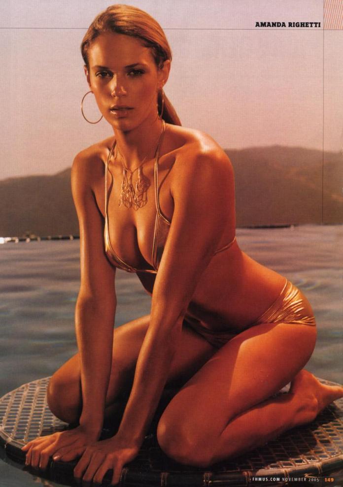 Amanda Righetti hot