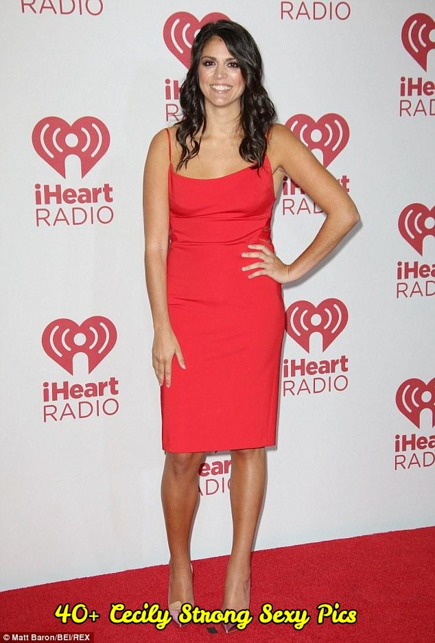 Cecily Strong sexy pictures