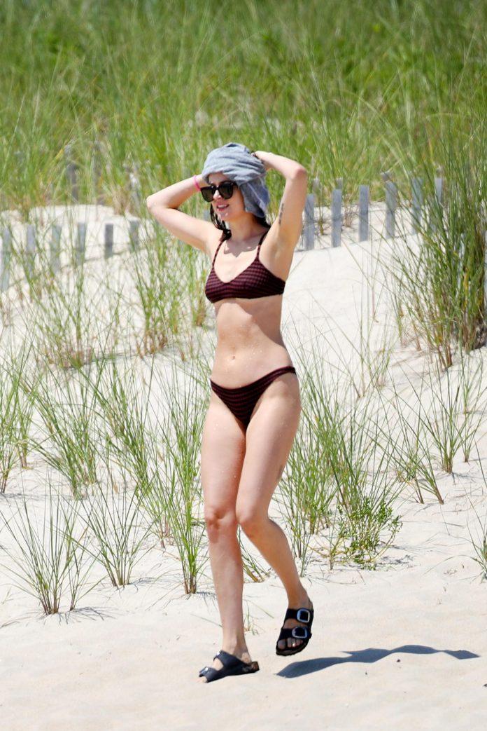 Dakota Johnson hot pic